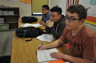 Photo: Students at MPS' Alexander Hamilton High School in an Advanced Placement course in 2014
