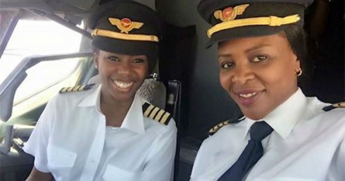 Captain Elizabeth Simbi Petros and Captain Chipo M. Matimba Photo credit: Air Zimbabwe