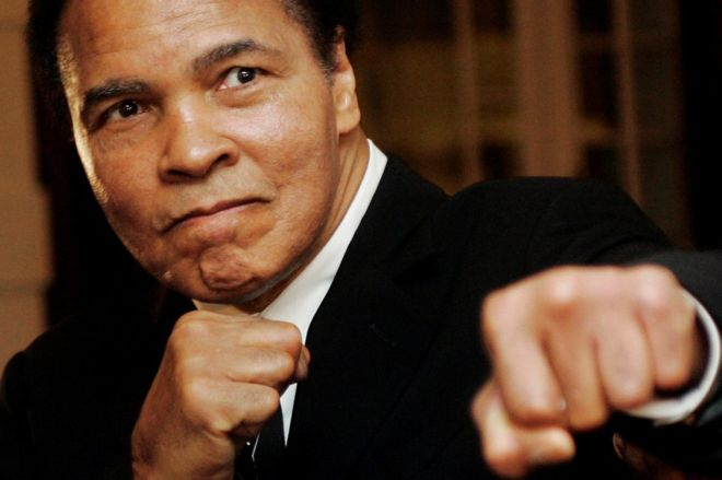 Figures from the world of boxing and beyond have paid tribute to Muhammad Ali, the former world heavyweight boxing champion, who has died aged 74.
