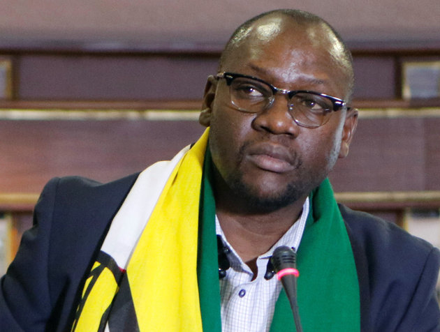 Pastor Evan Mawarire, who launched the movement #ThisFlag, to get Zimbabweans to rally round the national flag and speak out against Mugabe policies, is seen at a press conference in Harare, Zimbabwe, June 16, 2016. Picture taken June 16, 2016. REUTERS/Philimon Bulawayo