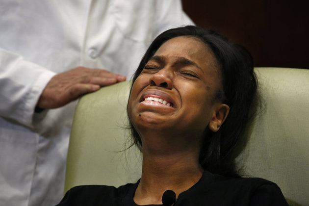 ORLANDO, FL - JUNE 14: Gunshot victim Patience Carter, age 20, of Philadelphia, PA, breaks down after telling her harrowing story of the shooting she survived during a press conference at Florida Hospital on June 14, 2016 in Orlando, Florida. (Photo by Carolyn Cole/Los Angeles Times via Getty Images)
