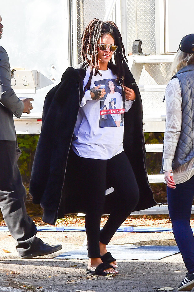 "NEW YORK, NY - NOVEMBER 08:  Singer Rihanna arrived on ""Ocean Eight"" set wearing a Hillary Clinton T-shirt on November 8, 2016 in Brooklyn borough of New York City.  (Photo by Raymond Hall/GC Images)"